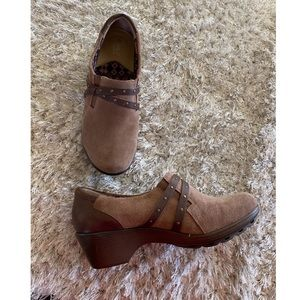 Easy Spirit Brown Clog Bootie Shoes Size 9